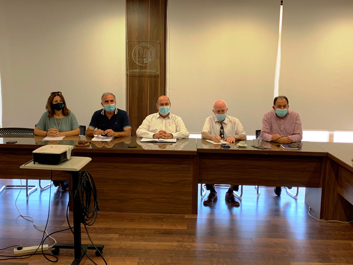 Συνάντηση Δημάρχων Επαρχίας Λάρνακας για αύξηση των εμβολιασμών